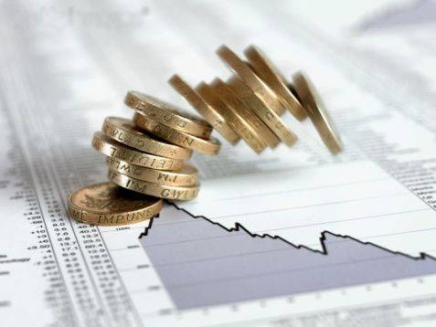 Investment During Economic Crisis For Financial Gain