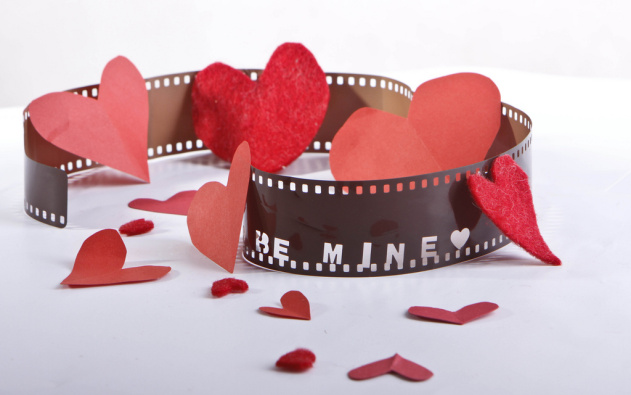 6 Romantic 80s Movie Soundtracks You Should Play At Your Wedding