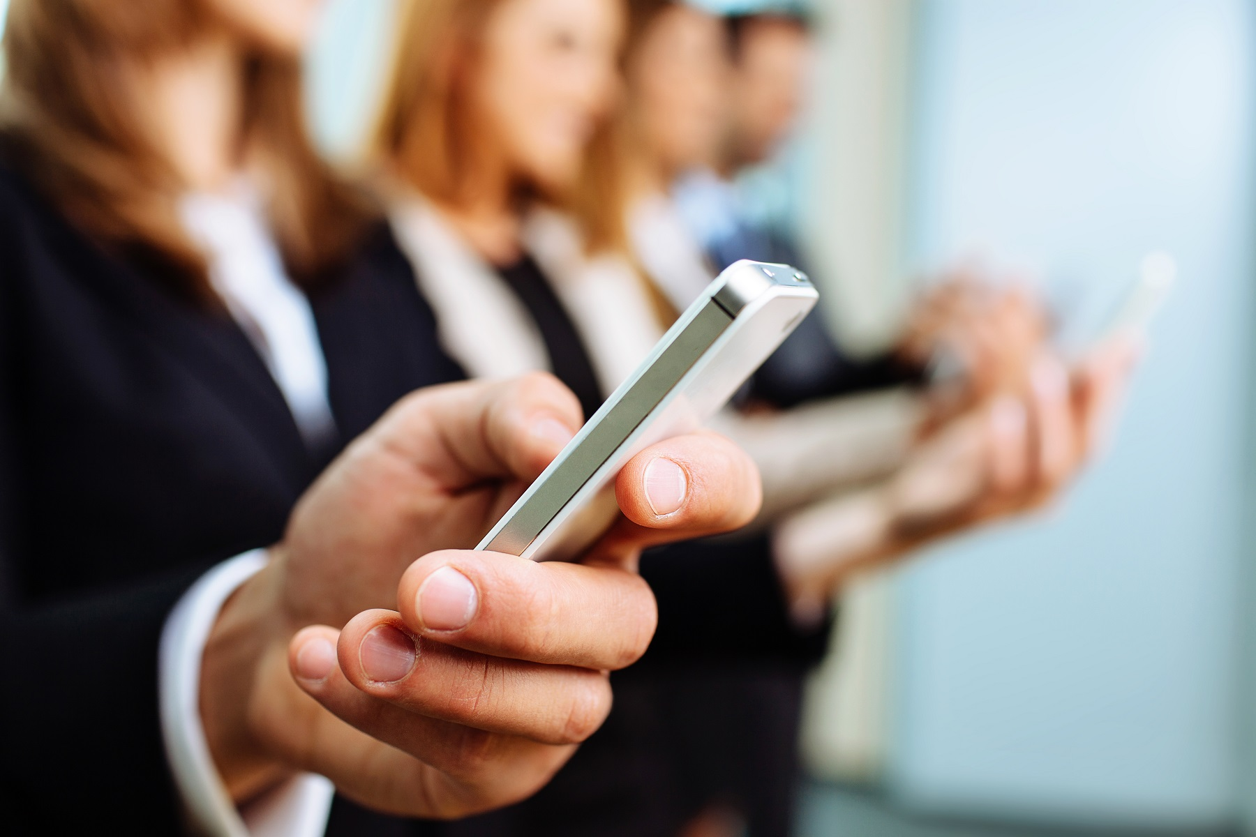 How To Engage Your Distracted Customers
