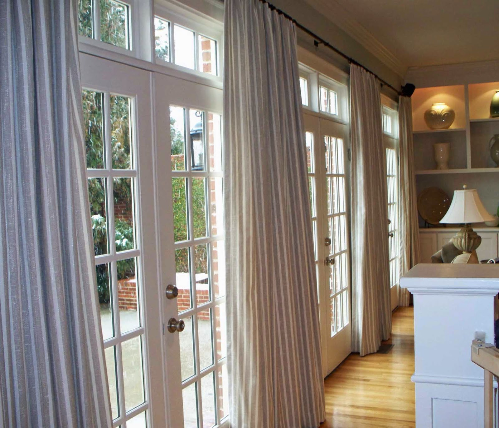 Five Types Of Window Coverings You Can Consider For Summer And Winter,Living Room Seashell Benjamin Moore