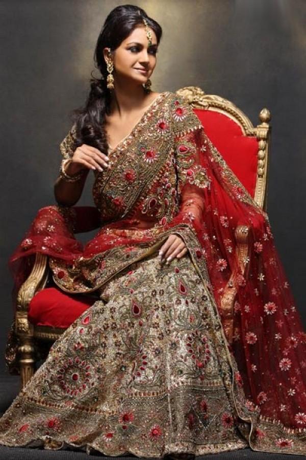 Must Have Sarees For An Indian Bride Lehenga and Banarasi Sarees