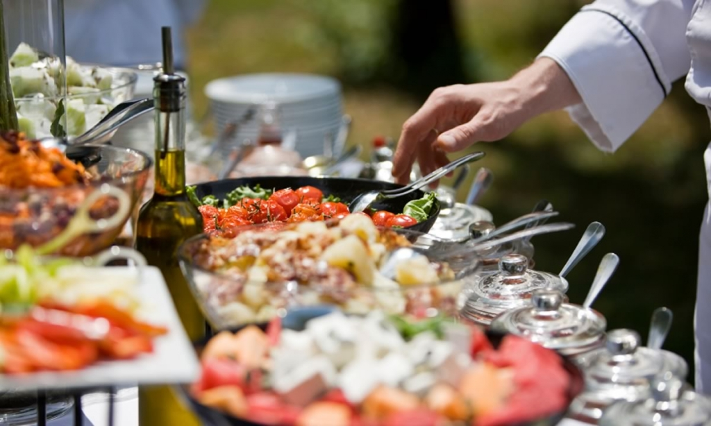 Tips To Remember When Hiring A Catering Service For Buffet Dinners