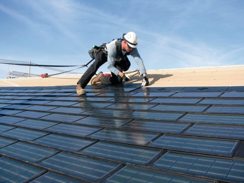 Why Choosing Professional Roofing Contractor Is Important For Replacing Your Roof?