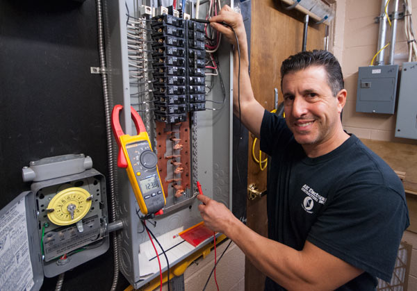 When To Hire An Electrical Contractor?