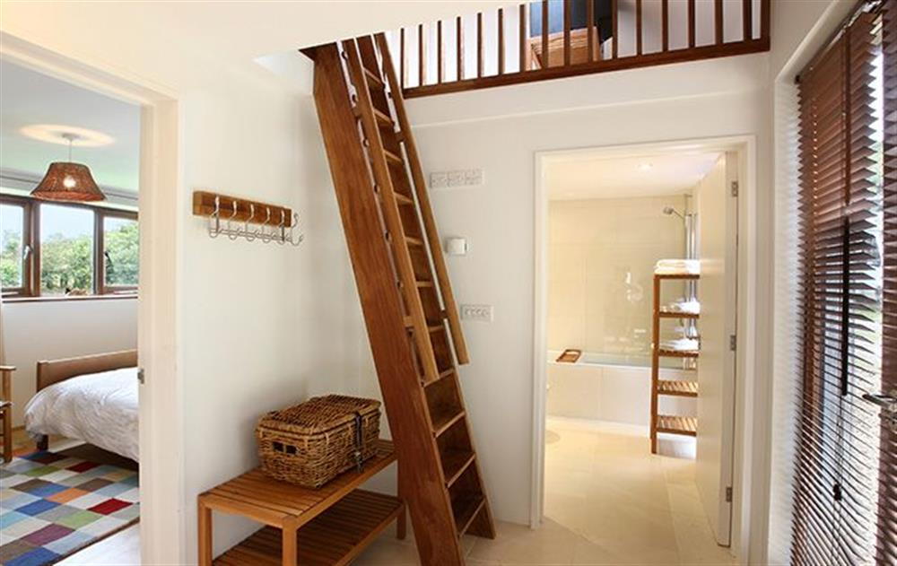 5 Reasons Why Loft Ladders Are Better Than The Traditional Staircase