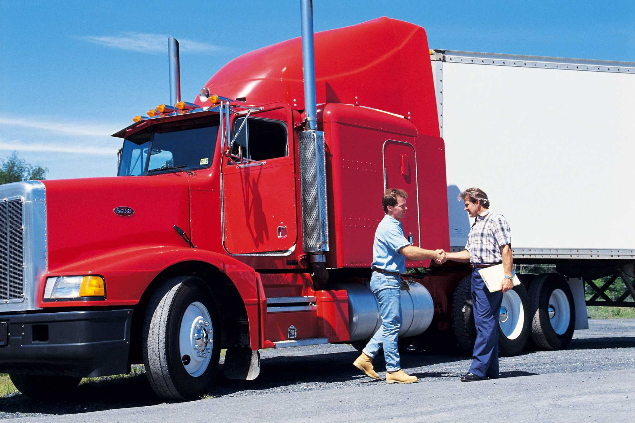 Women Find It Easier To Enter The Trucking Industry With Useful Tips from Experts