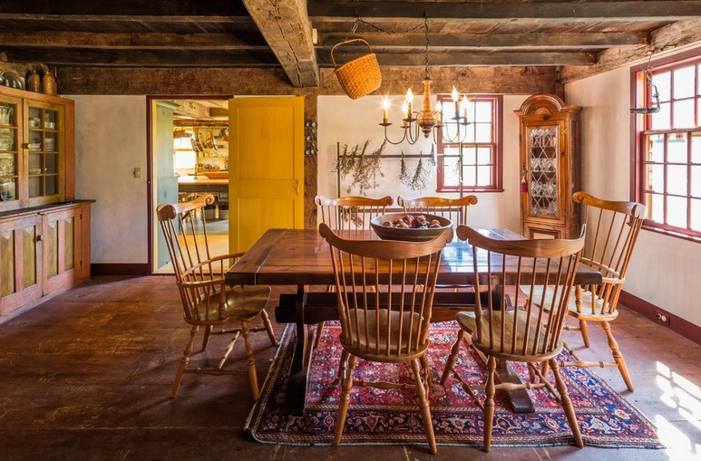 How To Bring The Farmhouse Style Into A Modern Dining Room