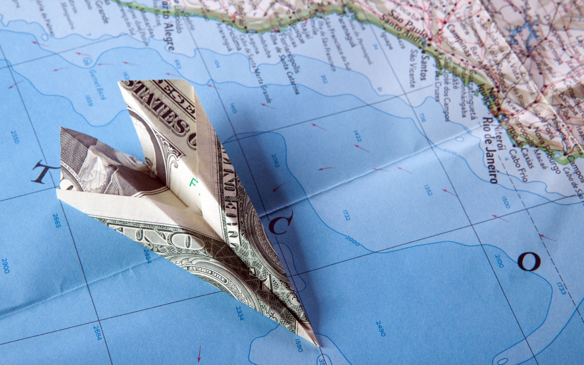 HOW TO SEND MONEY ABROAD: A FEW NOTABLE METHODS