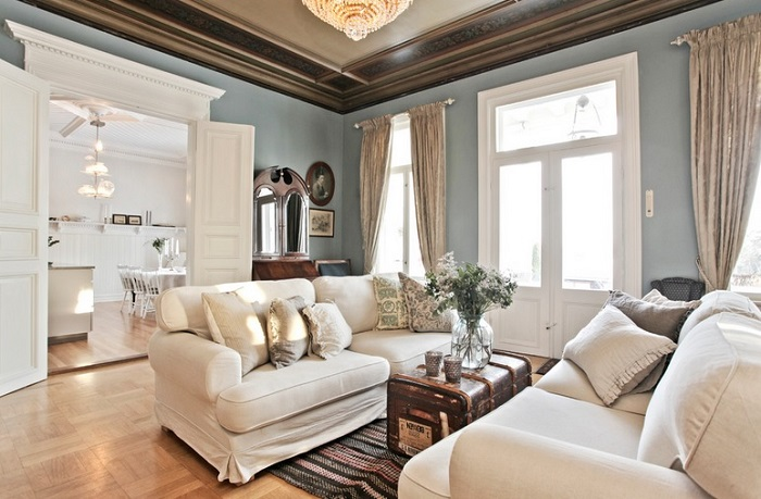How To Decorate Simple Crown Moldings