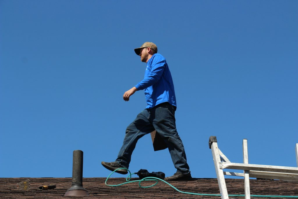 Benefits Of Hiring A Roofing Contractor