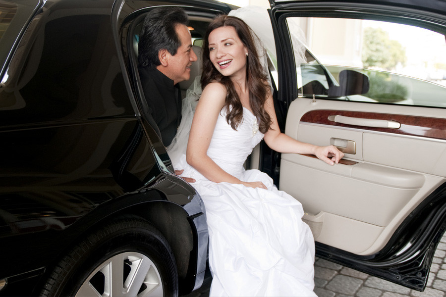 Why is a Limo Service Important for Your Wedding Event